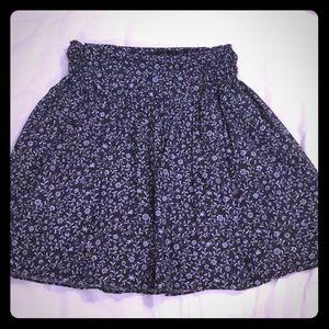 Dresses & Skirts - Floral print skirt in black & grey